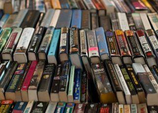 50 1 322x230 - Sách in trong bối cảnh Internet bùng nổ